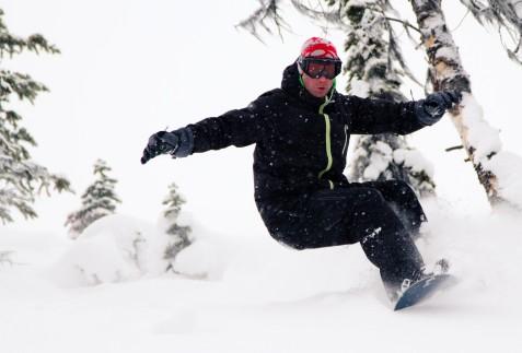 Snowboarding Revelstoke