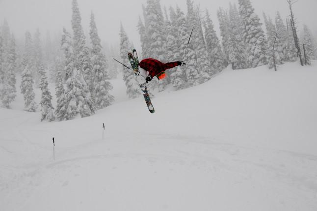 Trick flip on skis