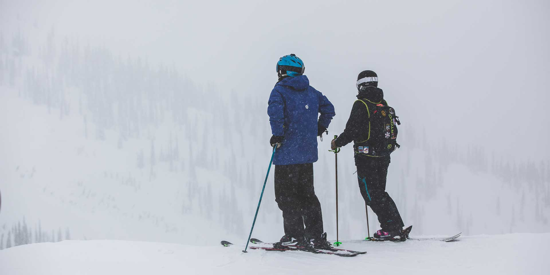 Skiers-in-cloud-fernie.jpg